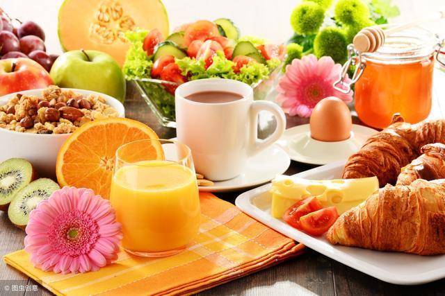 晚餐吃鸡蛋减肥吗_午餐和晚餐差别不大,就放在一起说了,不过要求晚餐要少吃,早吃,超过