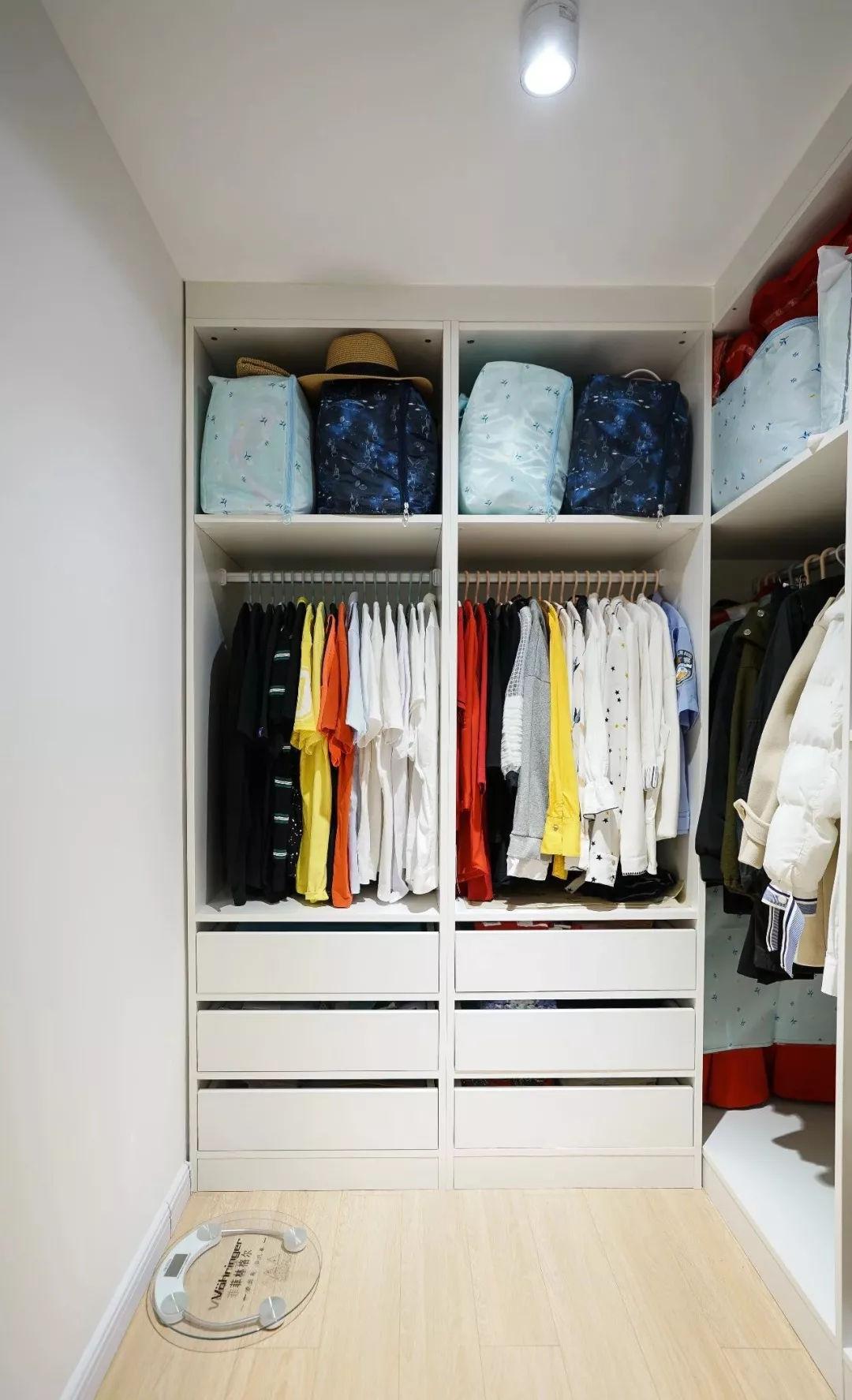 生活 正文  ▲l型衣帽间,挂衣区,收纳格满足不同储物需求,真的特别图片