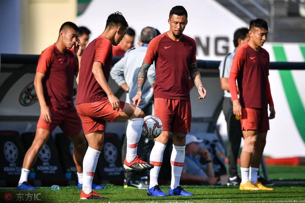 恐韩症实际上是技不如人!中国足球要重视和敌手的差距,要有一个准确的熟悉