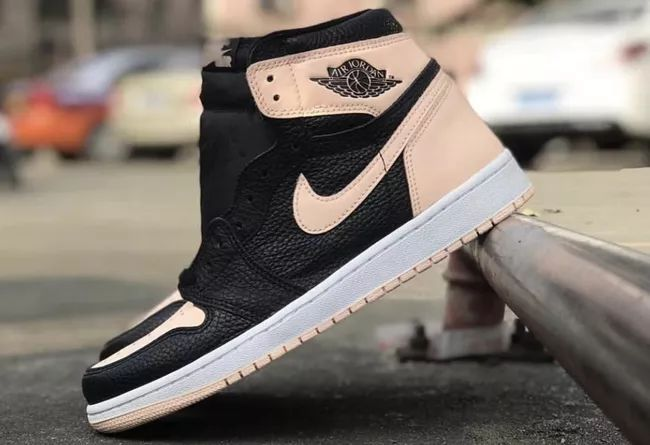 "Air Jordan Retro 1 High OG ""Crimson Tint""  货号:555088-081"