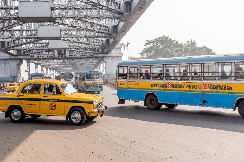 印度到底有多奇葩?出租车没有后视镜,竟然还是全球最佳出租车