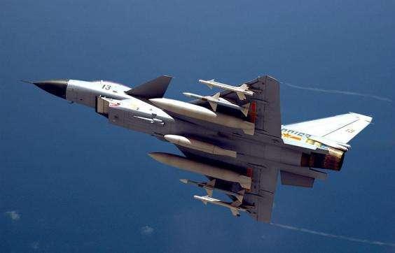 歼10发动机_中国尝试矢量发动机,歼10成为实验品,成功将会安装在歼20上_技术