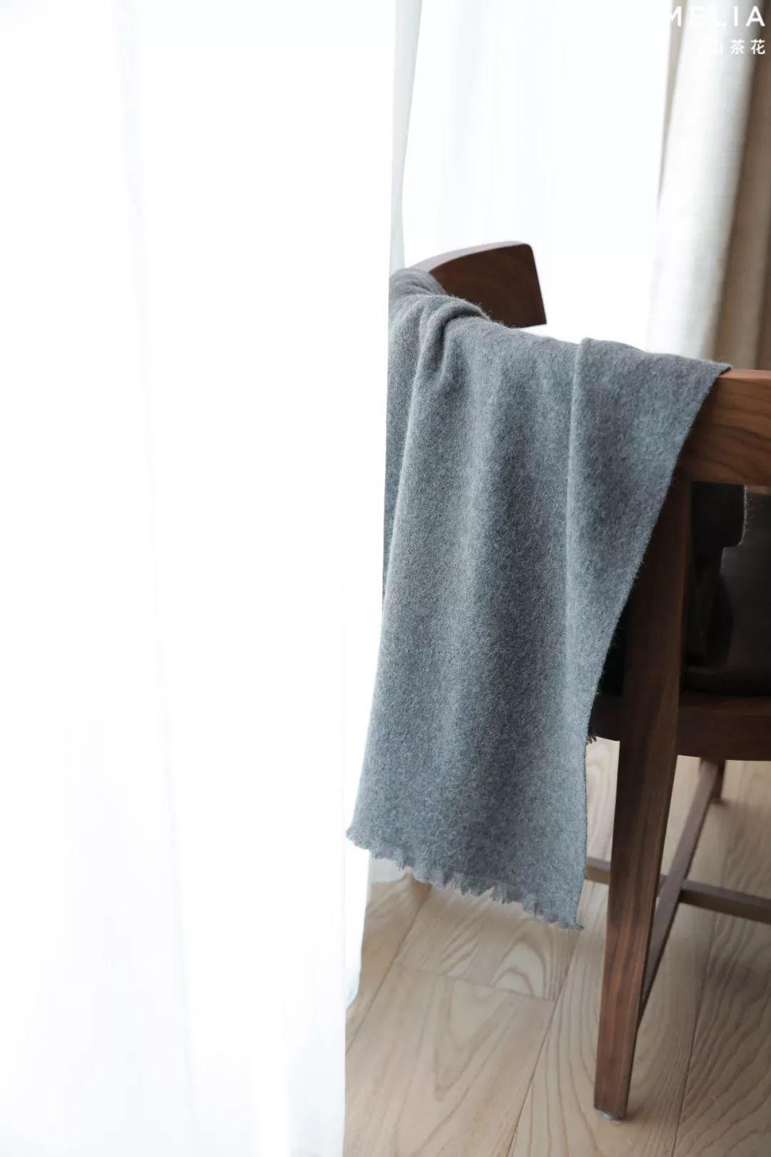 冬季lv羊绒围巾有哪些围法