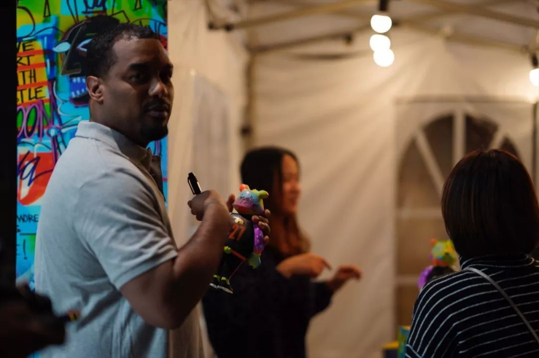 「Fun Market 60 潮玩嘉年华」我们问了现场艺术家一些问题!
