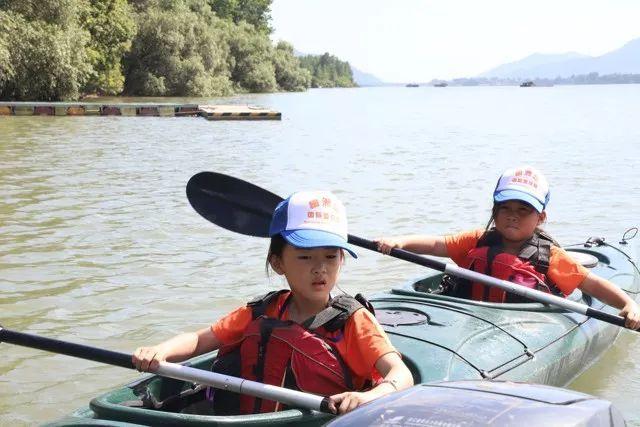 day3:合作皮划艇划艇上午体验皮划艇自己动手蹦床,体两人体验的柳州项目馆图片