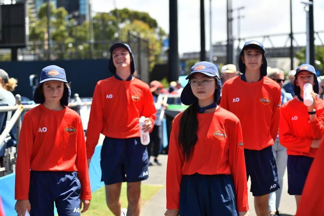 中国人寿-中网球童澳网行球童的台前幕后,从规矩养成开始