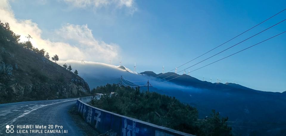 你根本想不到,在昆明周边,居然藏着一个像西藏的美丽地方