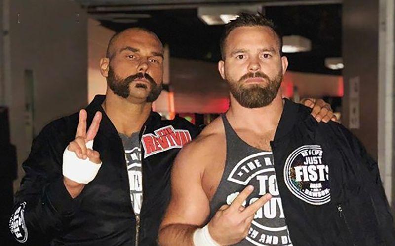首先从WWE跳槽AEW的竟是他们?!曾二刷双打冠军,与子弹帮关系非同一般