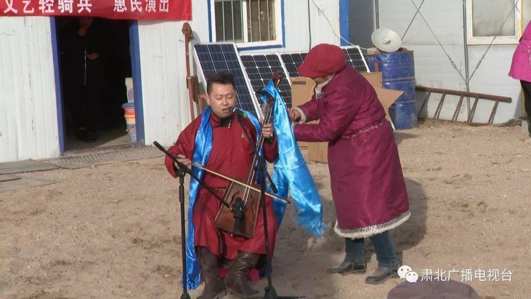 """""""我们的中国梦""""文化进万家丨""""红色文艺轻骑兵""""惠民演出到边防"""