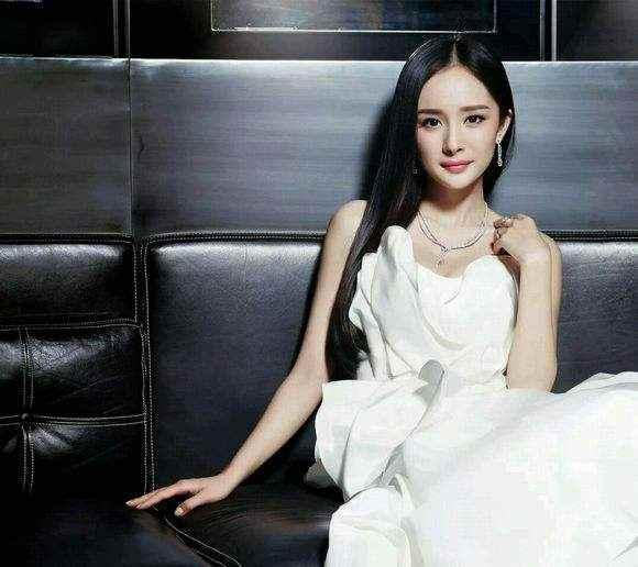 杨幂离婚后对刘恺威称呼有变化,虽只有2字,但被网友称