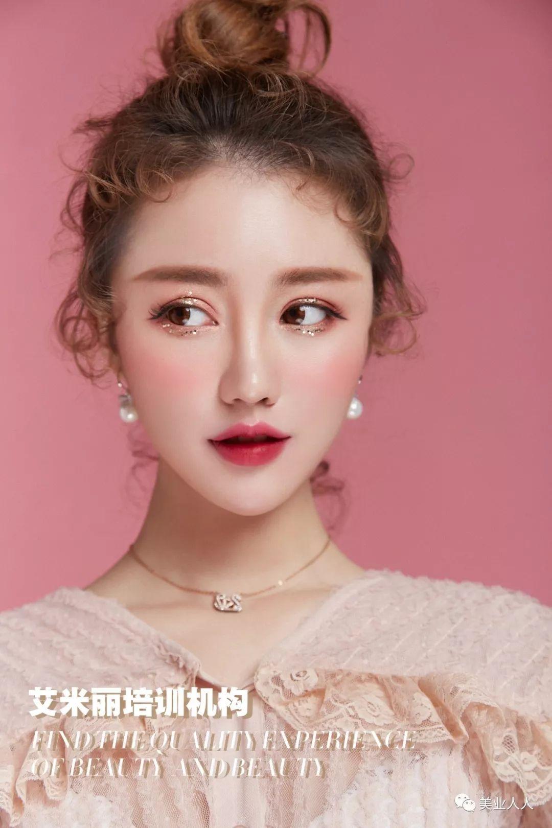 2019春夏 鲜花新娘 妆容发型灵感图片