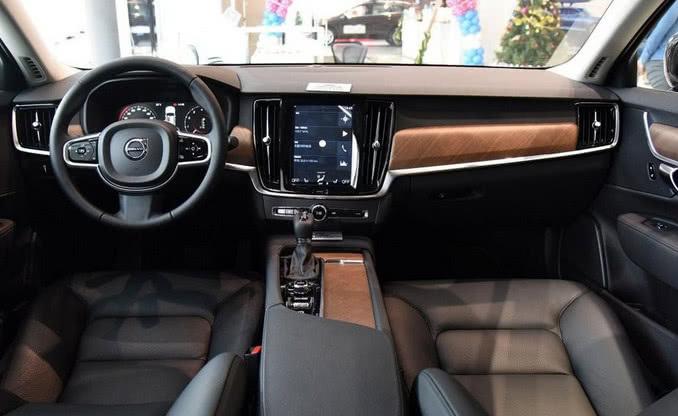 30万元中大型豪梅赛德斯 奔驰华车可以媲美奥迪A6L比买奥迪A4L值