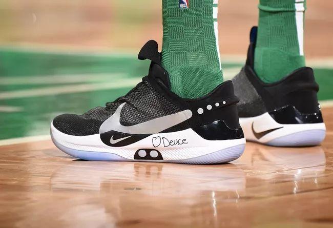 国内发售信息提前获取!多名球员上脚 Nike 自动系带篮球鞋