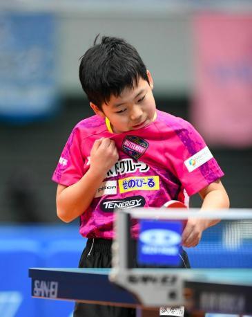 没听错!日本五年级小孩打进日锦赛八强!又一个张本智和?
