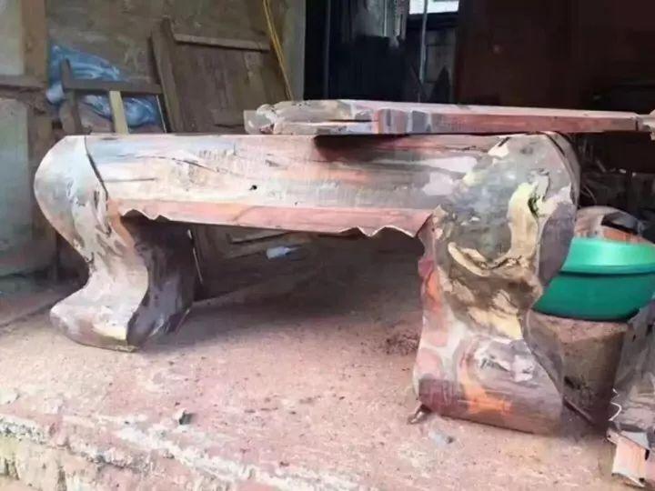 冒死偷拍--低价红木家具的真实面纱-名贵木材