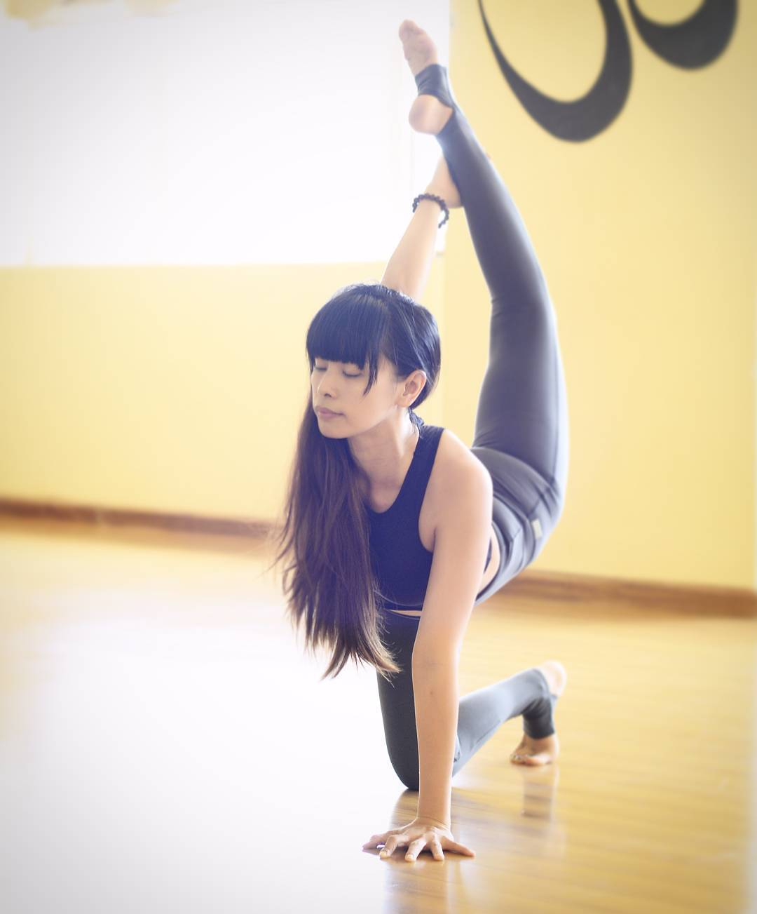 Look1:腿部紧贴有长处 在操练的进程中对付腿部姿势的掌握需要出格留意