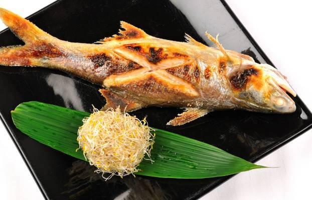 观察杨飞的口碑互动学会更多的美食创设形式