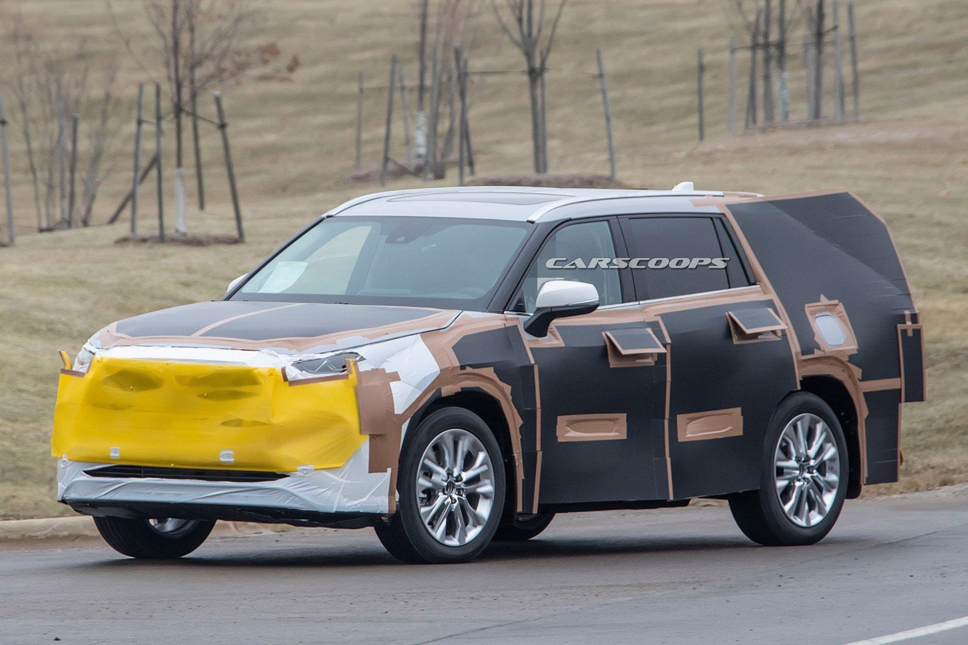 2020款丰田汉兰达路试曝光,形似放大版新款RAV4,或于年底推出