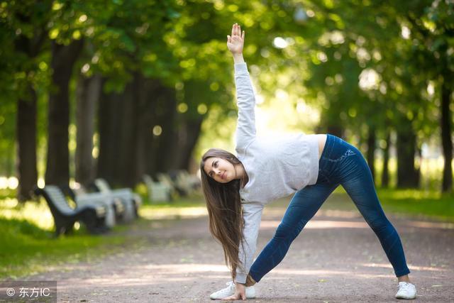 原创瑜伽初学者,不知道练什么?一套瑜伽动作分享给你!