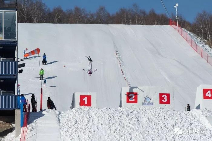 2018-2019年度全国自由式滑雪空中技巧U系列赛在崇礼开幕