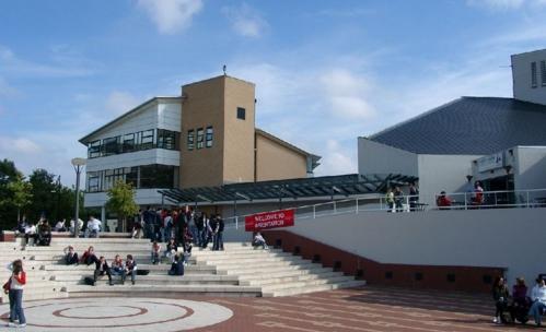"""送你一份英国华威大学商学院的""""360度无死角""""的院校攻略"""