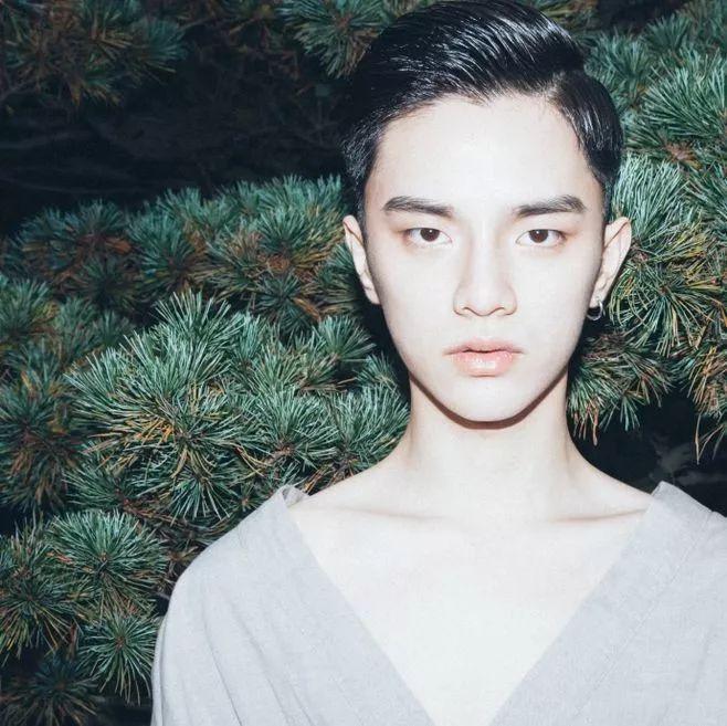 2019男生撩妹短发发型,剪完一秒变男神!图片