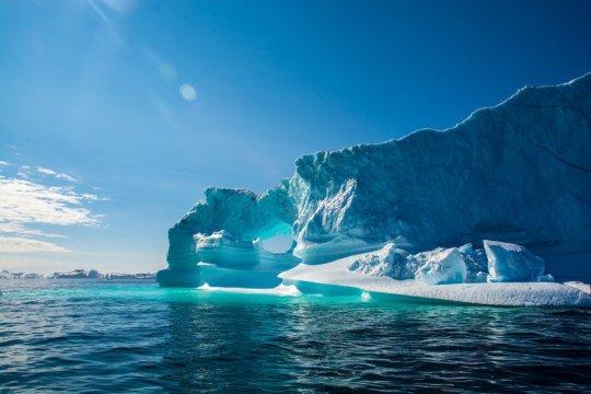 格陵兰岛冰盖融化,程度达临界点,是推动全球变暖的因素