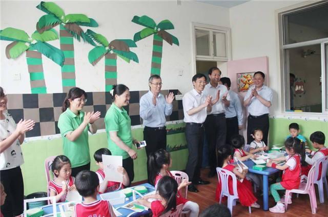 原創             幼兒園六一匯演變成了業績展示?六一兒童節到底是誰的節日呢?