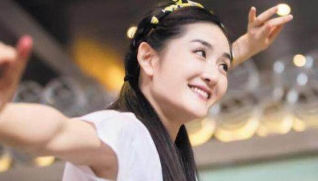 """谢娜被""""踢出""""2019湖南台春晚主持团队,网友得知后反应有些过激"""
