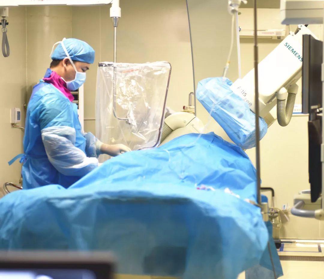 图片记录重症监护室的真实一天