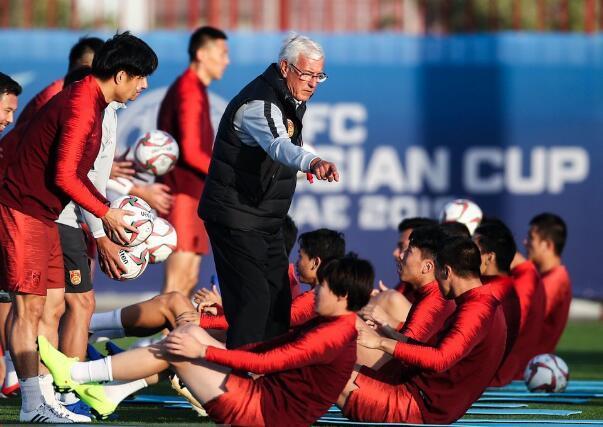 国足前瞻:近十年未胜伊朗 亚洲杯6次对决仅1胜