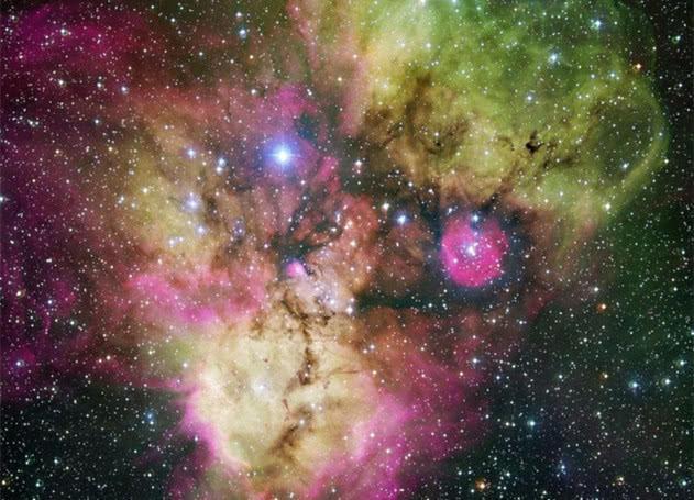 骷髅星云是由年轻星团构成的,其年龄可能在百万年左右?