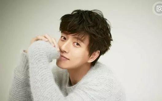 第九位 : 韩国男演员,模特 代表作《那年冬天风在吹》,《没关系,是