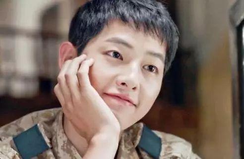 第三位:韩国演员,歌手,模特 代表作《《对不起,我爱你》》,《主君的
