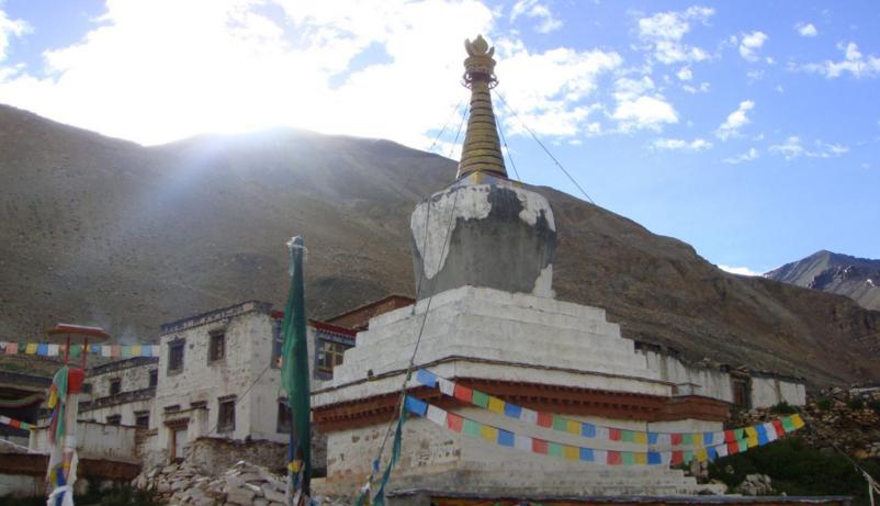 我国最高的佛寺_珠峰脚下,世界海拔最高的寺庙—绒布寺_玛峰
