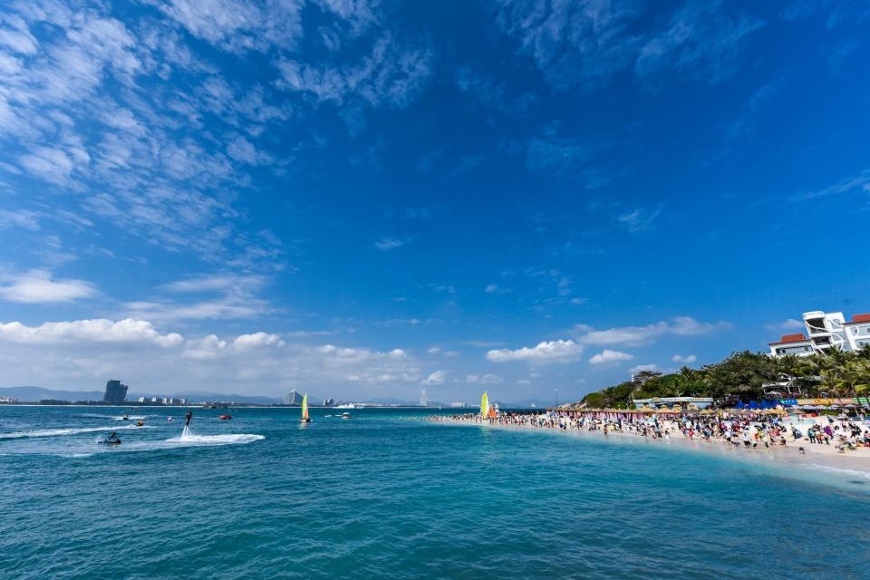 原创我国这座热带海洋城市,海岛风光媲美夏威夷,成为国人避寒胜地