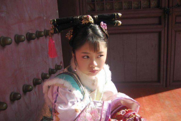 谭松韵已消失25天,原来是妈妈突遭车祸去世了,这对母女的故事让人泪目!