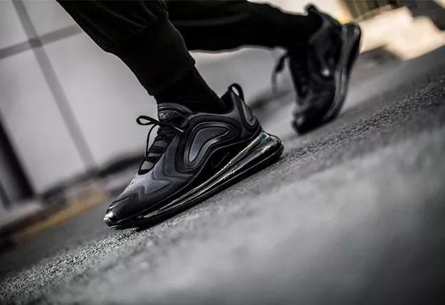 小编说个全新「Nike 大气垫球鞋」的秘密!