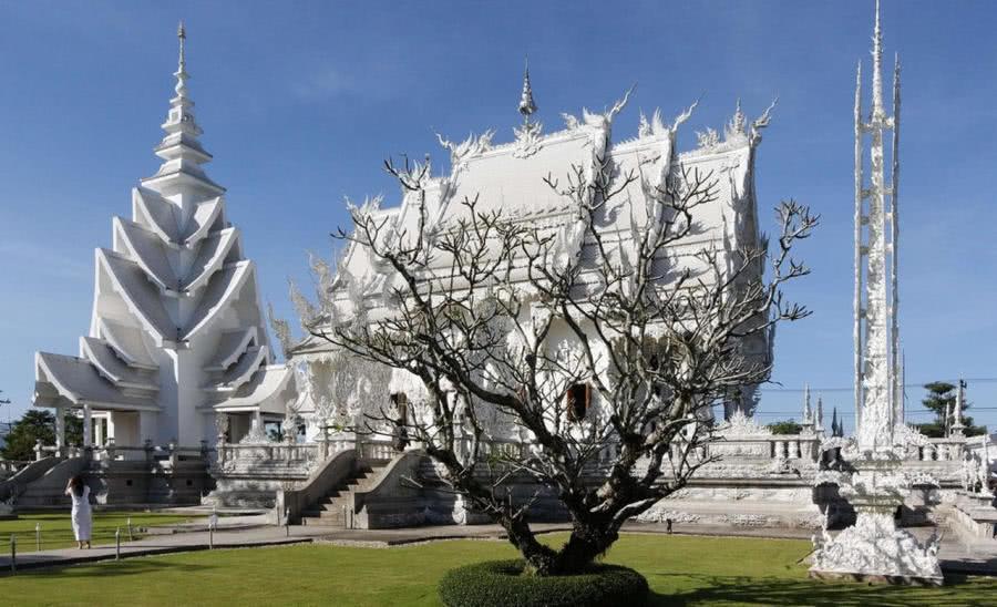 被龙和镜子困绕的寺庙,虽已对外开放,在将来的90年才无望完工