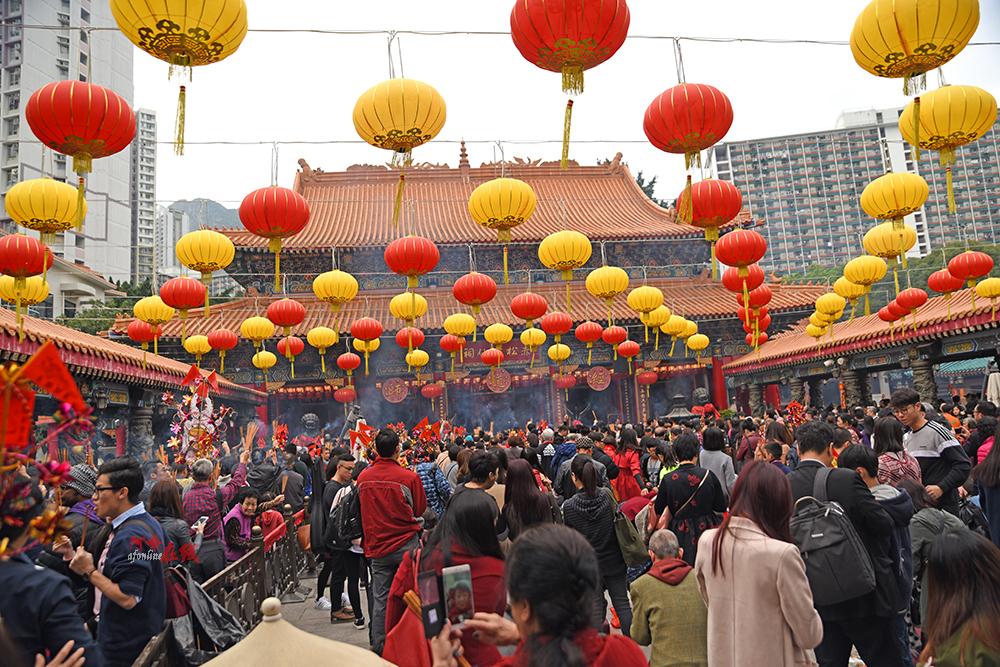 原创香港的黄大仙祠,为什么每年春节都人满为患?