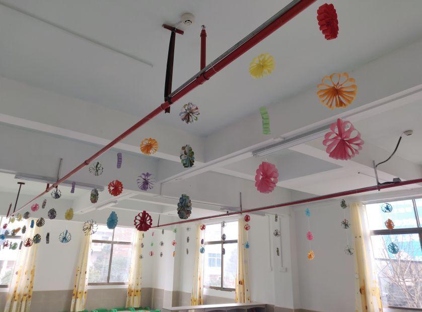 盥洗室   休息室   活动区   园区环境   童乐幼儿园   童乐幼儿园图片