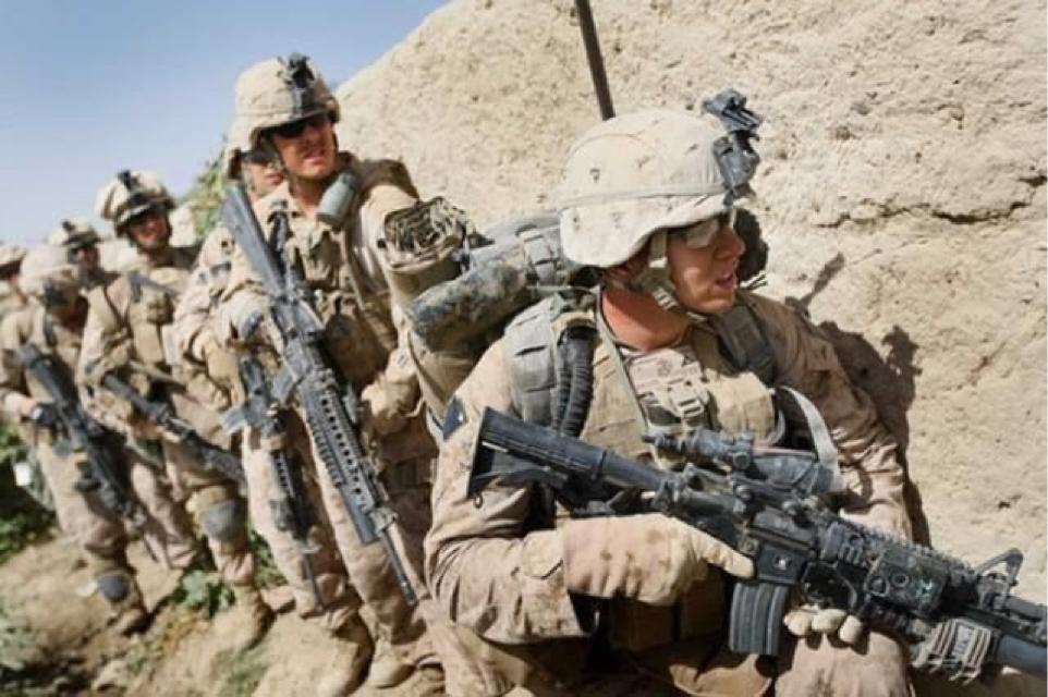 美军40辆军车遭袭 官兵不敢战斗 理由是没空中支援!