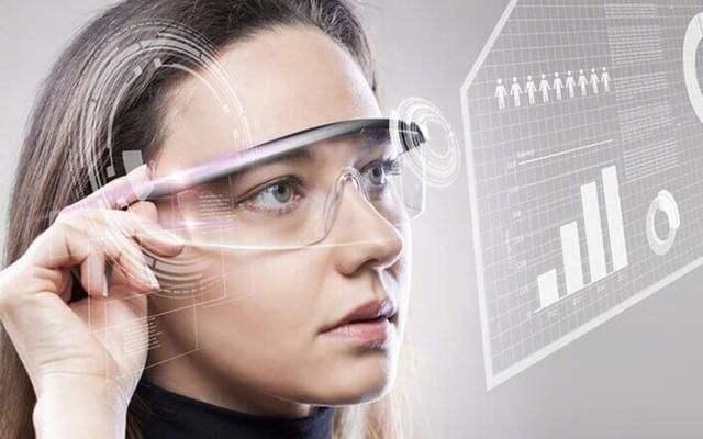 苹果开发8K屏幕AR眼镜 工程师趁CES拜访零件商