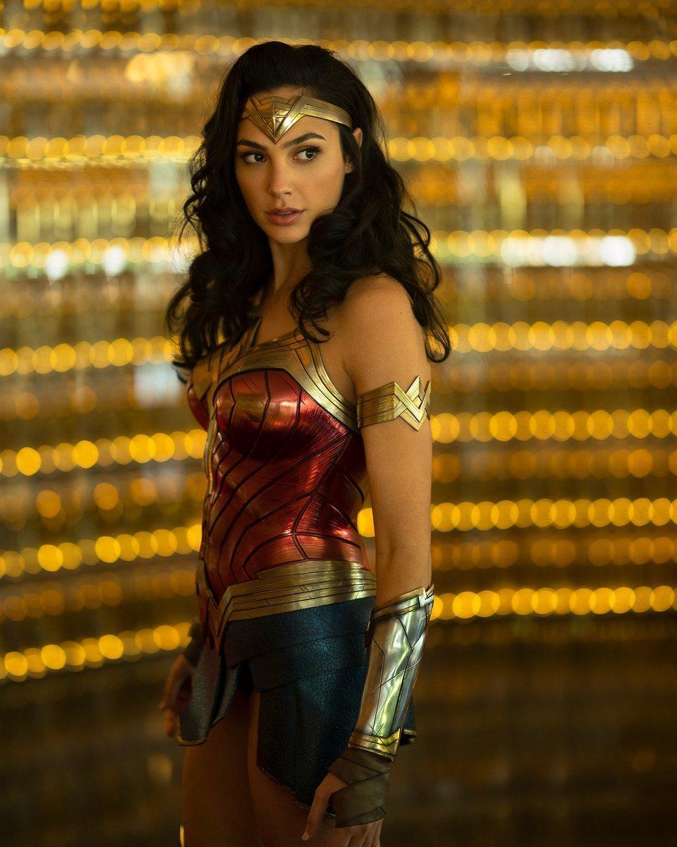 《神奇女侠3》或将回归现代故事,粉丝呼吁女导演拍《正义联盟2》