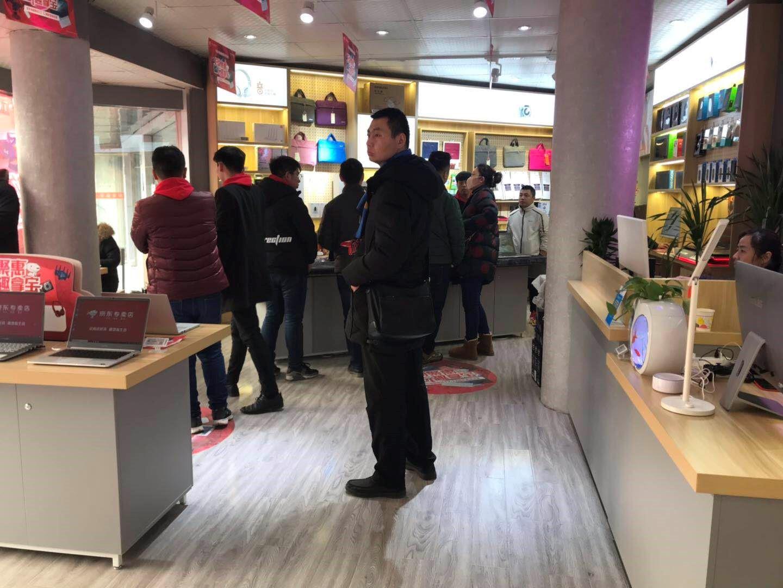 硬核价格温柔服务,郑州京东电脑数码专卖店积极探索线下零售新业