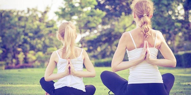 新春大集 | 春节腰背痛,六个瑜伽动作舒缓关节