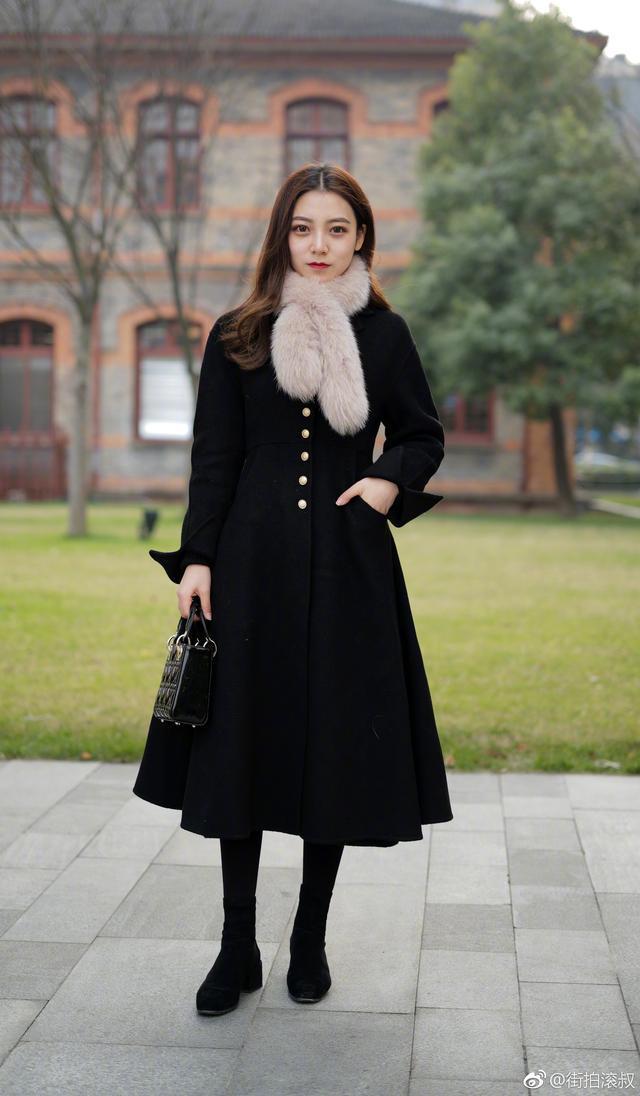 再冷也要好好打扮自己!看看街头的她们如何hold时尚造型?