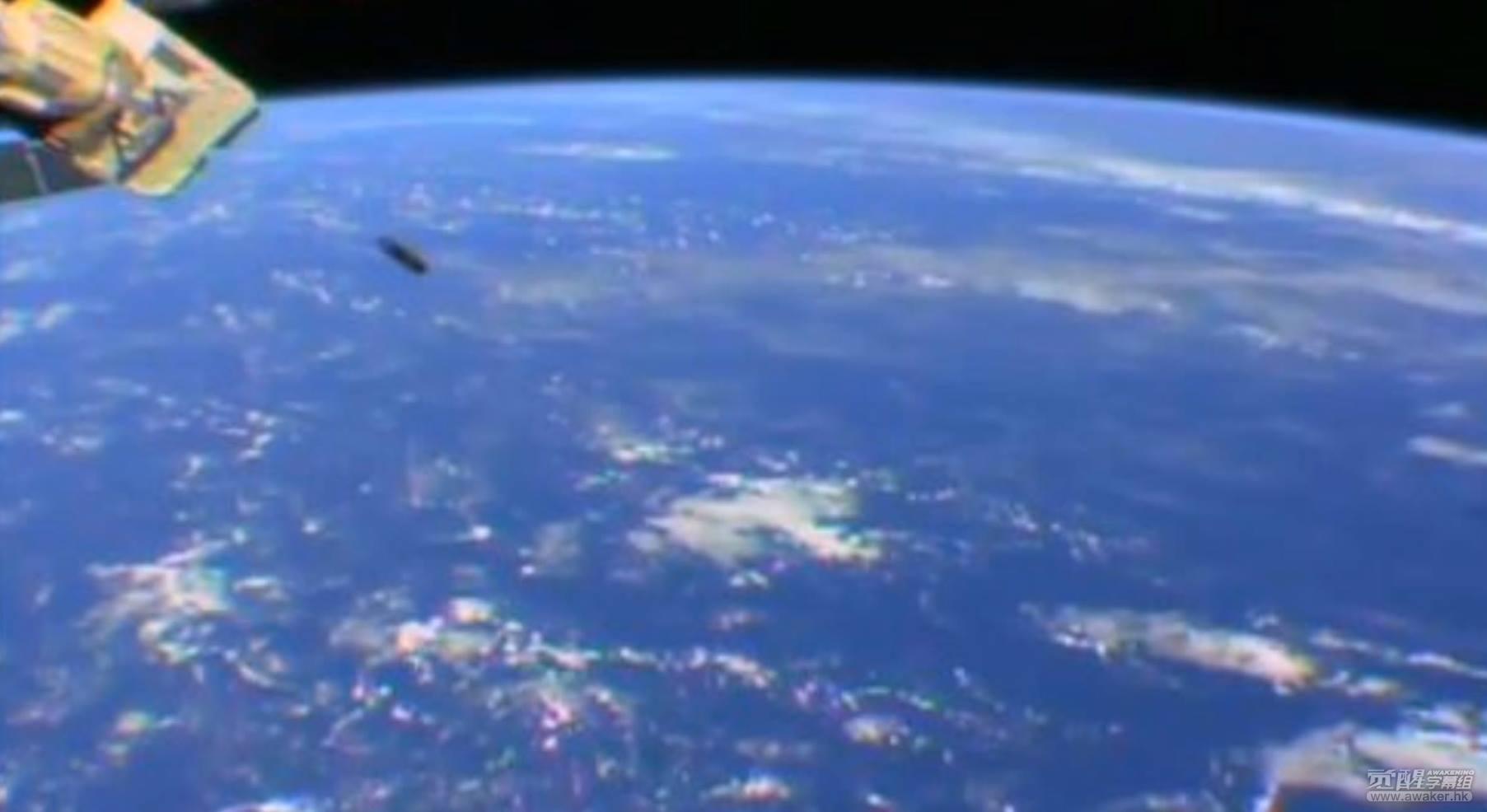 NASA直播中突然紧急暂停竟然是因为出现了不明飞行物