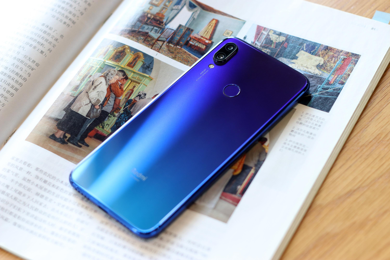 2019年女款手机排行_互联网模式到头了 国产手机纷纷上调售价