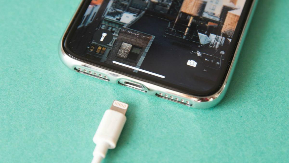 早报 | 苹果测试 USB-C 接口 iPhone /《寒门状元之死》账号被禁言 60 天 / 新 iPad 最快春季发布